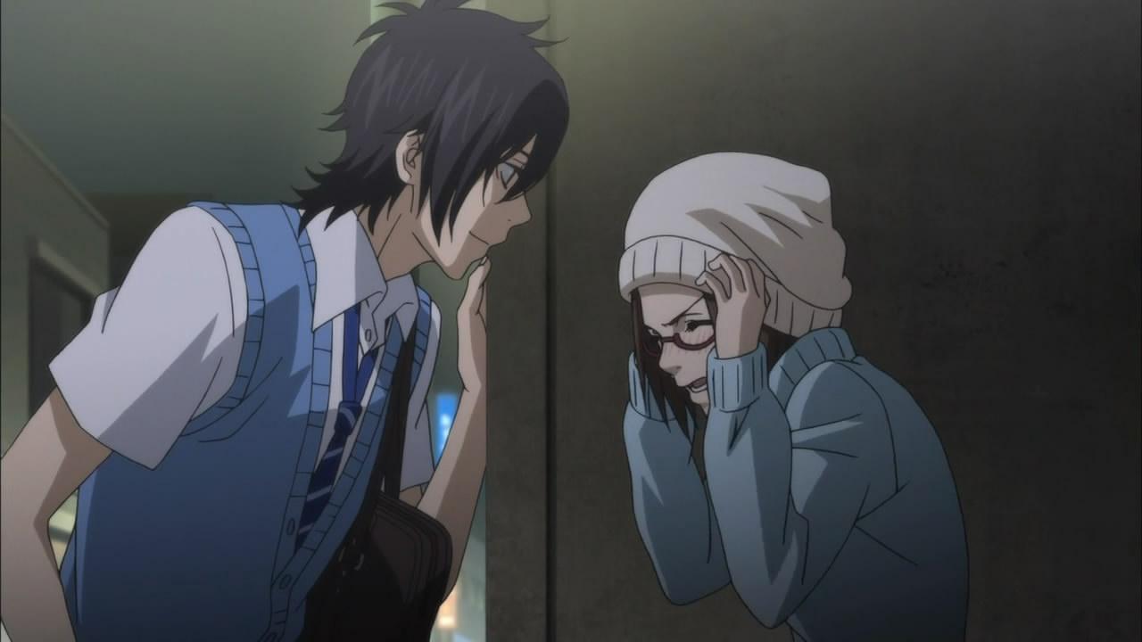 Парень с девушкой аниме целуются