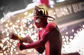 «Новый Человек-паук. Глава вторая» (The Amazing Spider-Man 2)  Режиссер: Марк Уэбб В ролях: Эмма Стоун, Эндрю Гарфилд, Shailene Woodley