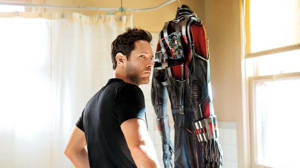 «Человек-муравей» (Ant-Man)  Режиссёр: Эдгар Райт В ролях: Майкл Дуглас, Пол Радд, Майкл Пена