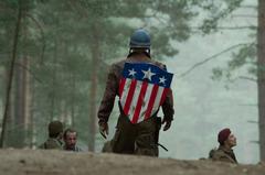 «Первый Мститель: Капитан Америка» (The First Avenger: Captain America)  Режиссер: Джо Джонстон В ролях: Сэмюэль Л. Джексон, Хьюго Уивинг