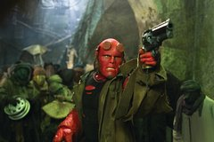 «Хеллбой-2: Золотая армия» (Hellboy 2: The Golden Army)  Режиссер: Гильермо дель Торо В ролях: Рон Перлман, Сельма Блэйр, Джон Александр, Брайан Стил , Анна Уолтон, Люк Госс, Рой Дотрис