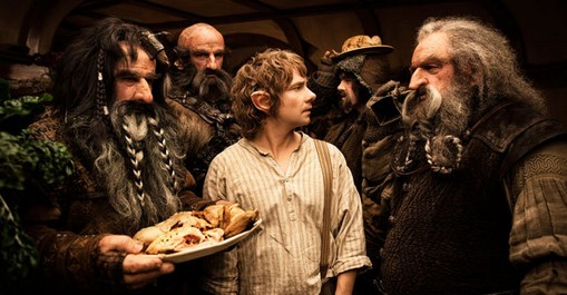 «Хоббит: Нежданное путешествие» (The Hobbit: An Unexpected Journey)  Режиссёр: Питер Джексон В ролях: Ян Маккеллен, Мартин Фриман, Кейт Бланшетт, Орландо Блум, Ian Holm, Кристофер Ли, Хьюго Уивинг, Элайджа Вуд, Энди Серкис, Richard Armitage, Jed Brophy, Адам Браун, John Callen, Стивен Фрай, Ryan Gage, Mark Hadlow, Peter Hambleton, Стивен Хантер, William Kircher, Sylvester McCoy, Брет Маккензи, Graham McTavish, Mike Mizrahi, James Nesbitt, Dean O'Gorman, Ли Пейс, Микаэль Персбрандт, Conan Stevens, Ken Stott, Джеффри Томас, Эйдан Тёрнер, Люк Эванс, Бенедикт Камбербатч, Evangeline Lilly, Barry Humphries