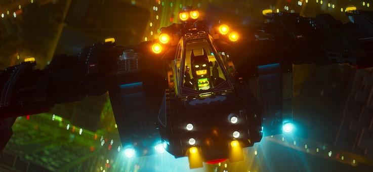 «Лего Фильм: Бэтмен» (The Lego Batman Movie)  Режиссёр: Крис Маккей В ролях: Уилл Арнетт, Розарио Доусон, Рэйф Файнс, Майкл Сера, Зак Галифианакис, Мэрайя Кэри