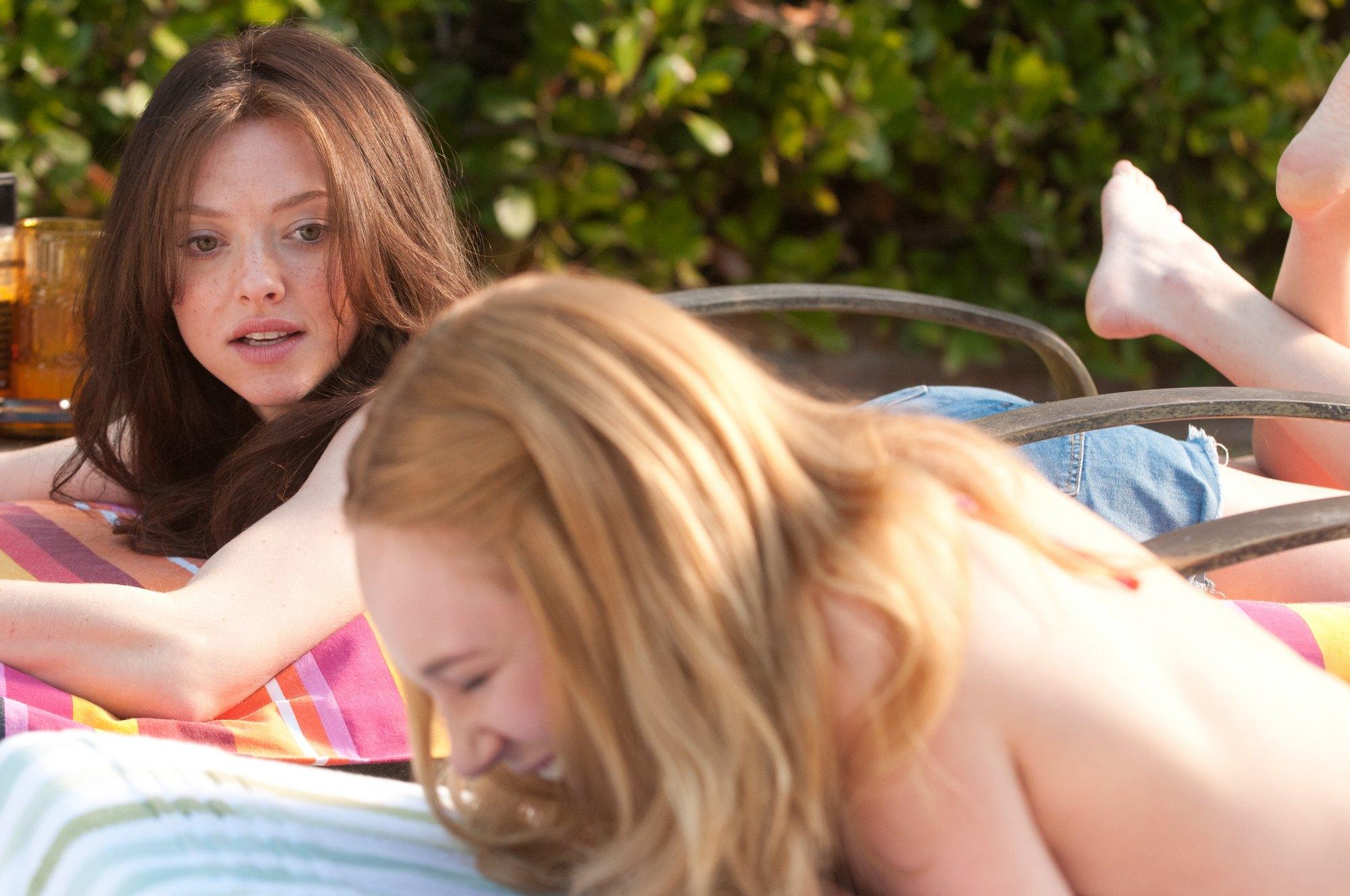 Фото глубокие глотки молодых девочек 3 фотография