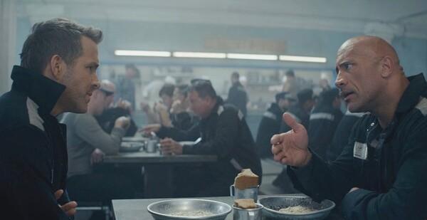 Кадры из фильма «Красное уведомление»