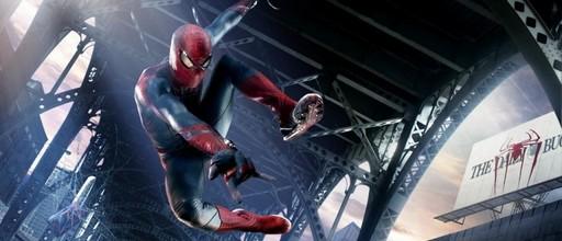 «Новый Человек-паук» (The Amazing Spider-Man)  Режиссер: Марк Уэбб В ролях: Эндрю Гарфилд, Эмма Стоун, Дэнис Лири, Мартин Шин, Стэн Ли.