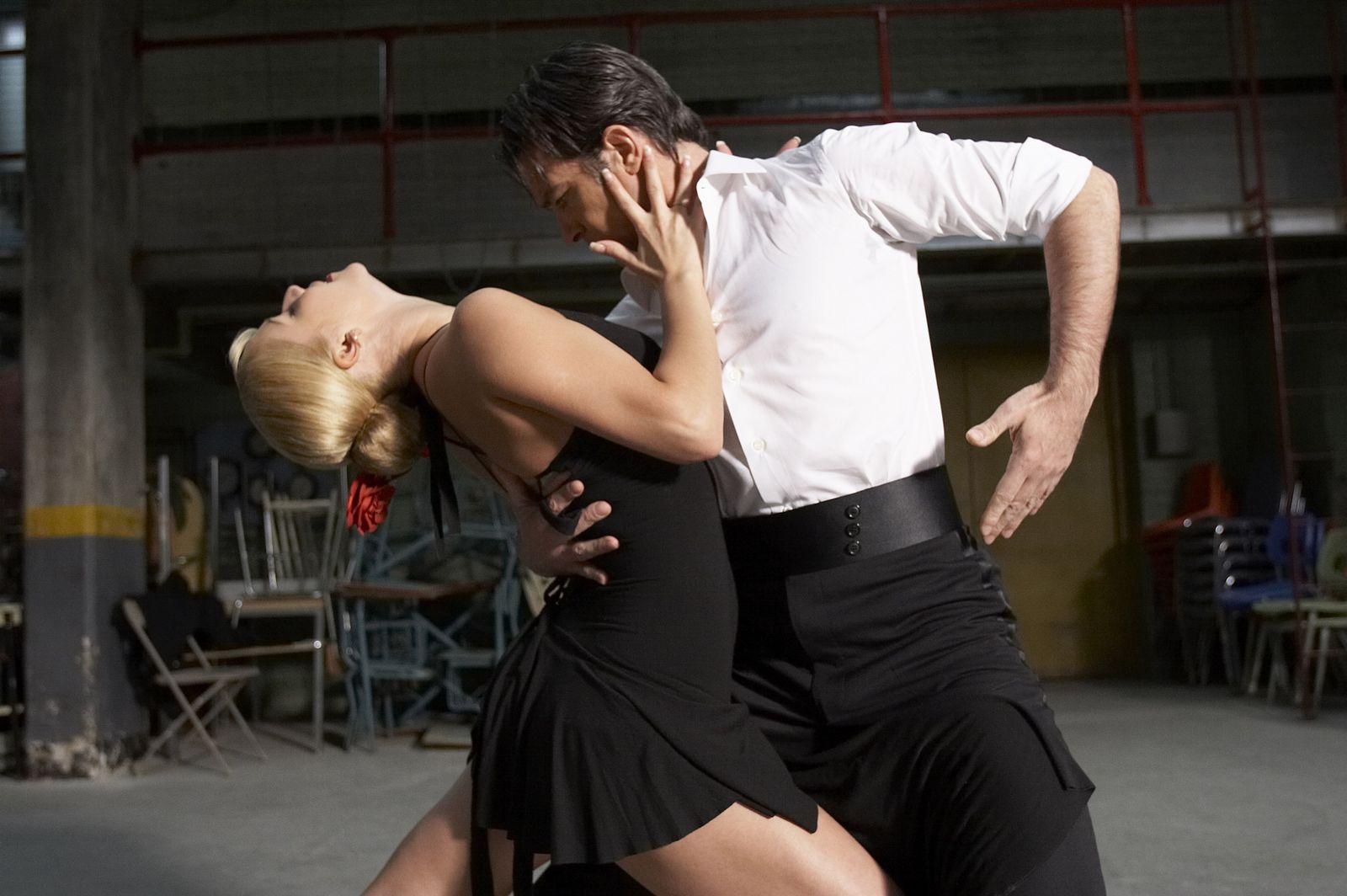 Смотреть танцы с девушками 19 фотография