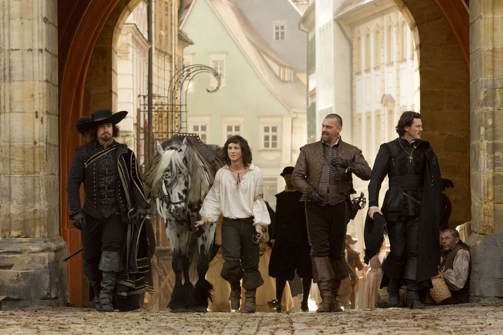 the 3 musketeers The names of the three musketeers are athos, porthos and aramis the main character of the novel, however, is d'artagnan, a poor, young adventurer who leaves his home to join the famous musketeers of the guard.