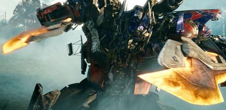 «Трансформеры: Месть падших» (Transformers: Revenge of the Fallen)  Режиссер: Майкл Бэй В ролях: Шайя Ла-Баф (Сэм Уитвики), Меган Фокс (Микаэла Бейнс), Джон Туртурро (Агент Симмонс), Джош Дюхамель (Капитан Леннокс), Хьюго Уивинг (голос Оптимуса Прайма), Рэйн Уилсон, Фрэнк Уэлкер, Изабель Лукас, Тайриз Гибсон, Питер Каллен
