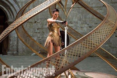 Кадры из фильма «Чудо-женщина»