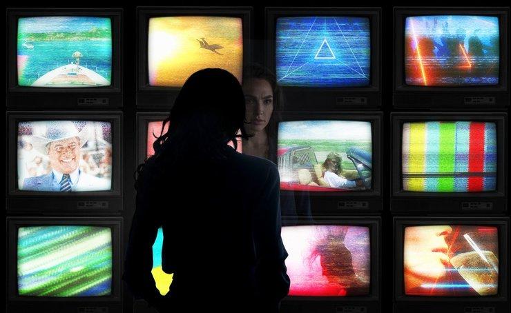 Промо-арт фильма «Чудо-женщина 2»