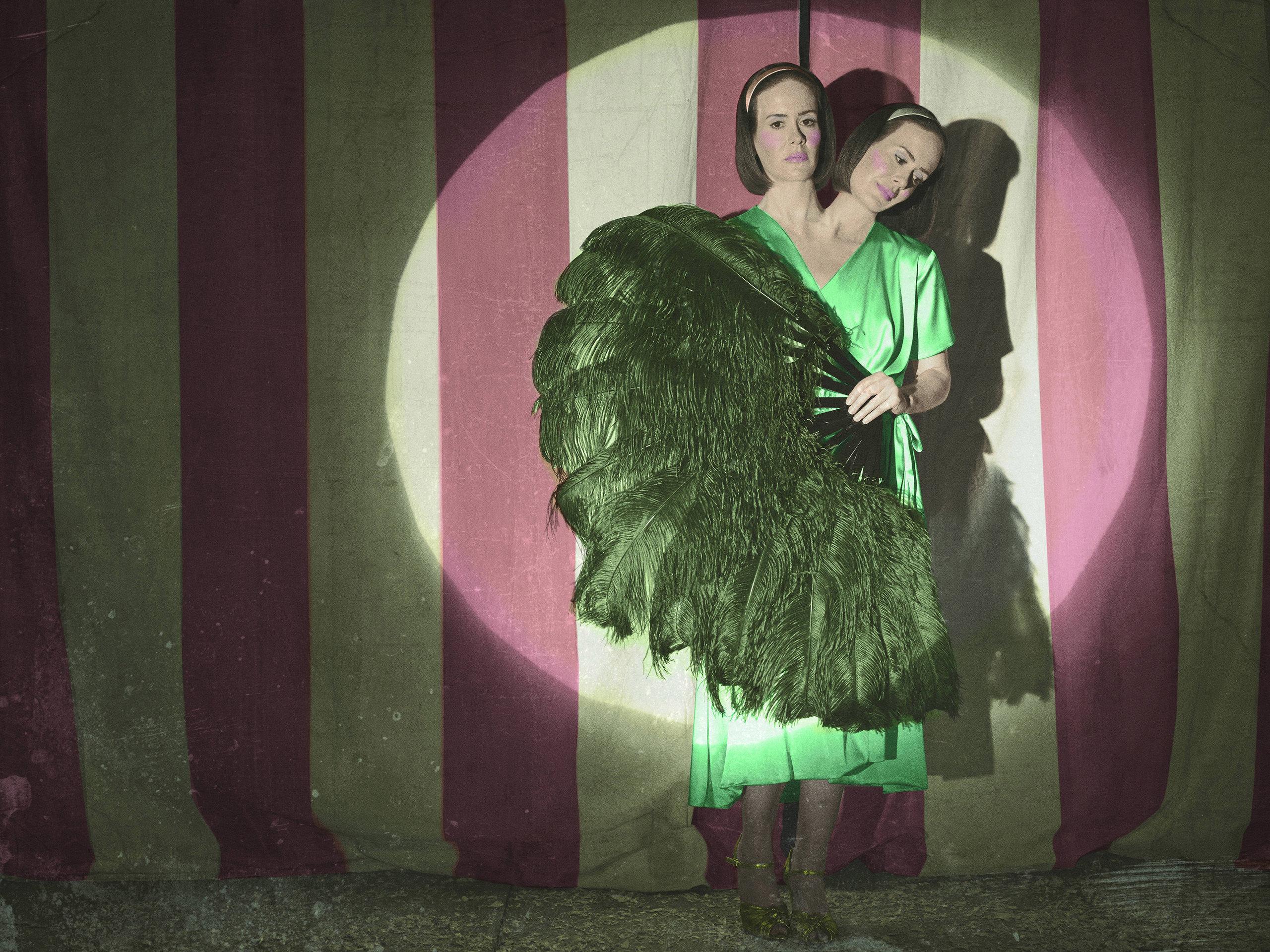 Рассказы о лесбиянках в цирке 8 фотография