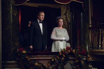 Кадры из сериала «Корона»