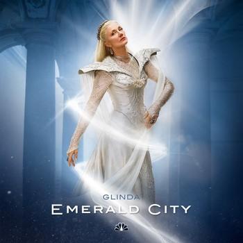 Постеры сериала «Изумрудный город»
