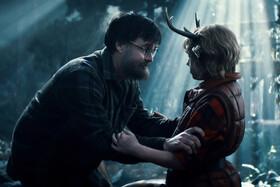 Кадры из сериала «Sweet Tooth: мальчик с оленьими рогами»